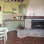 cucina e caminetto
