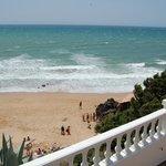 strand onder het balkon