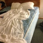 Too small mattress pad AND NO BOTTOM SHEET