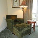 Corner Room 316 - Sitting Area