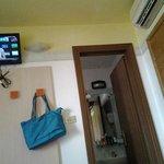 televisore, bagno e condizionatore