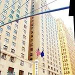 Façade du New Yorker Hotel