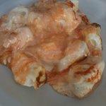 Capeleti com damasco e queijo brie.