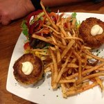 crab cakes and frites