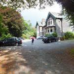 Ambleside Lodge and driveway