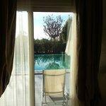 la piscina privata vista dalla camera