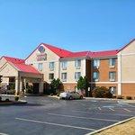 Photo de Comfort Suites Hotel - Lansing