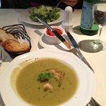 Sopa de brócolis deliciosa