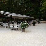 Pour un bon déjeuner dans le parc au bord de la Sorgue