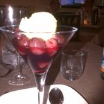 ciliege disossate, cotte nel vino rosso con gelato artigianale