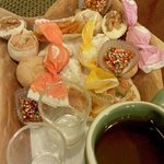 Moscato con dolcetti