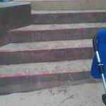 Varför bygger dom inte en ramp så att man kan komma ner och upp med barnvagn?