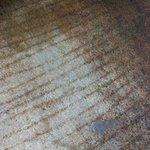 Carpete sujo e velho