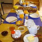 Petit déjeuner /viennoiserie maison