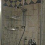 la doccia della camera blu
