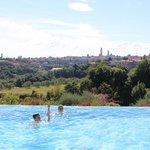 Pool mit Aussicht auf Siena