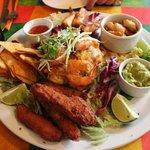 seafood platter but no calamari :(
