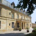 Chateau Pomys fra innkjørselen