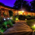 Sunrise Landing Motel - 11 unites, 3 suites, 2 rental houses