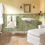 Marion Davies bathroom