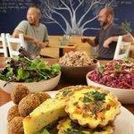 fresh organic breakfast and lunch at momo wholefood cafe