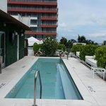 4th floor pool