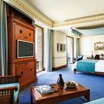Louloua Room