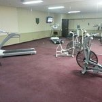 Large workout room, but little equipment