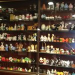 More than 1000 salt & pepper shakers displayed (fun)