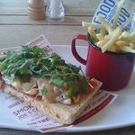 Chicken flatbread and fries. The photo doesn't do it justice, it was a very large and filling lu