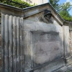 Außenansicht Kriegerdenkmal