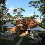 Foto de ZEN Cafe & Villa