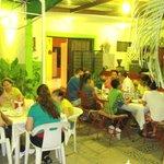 Nuetros Clientes disfrutando una cena en Familia