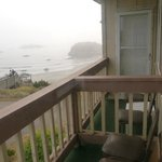 Balkon mit Siffstühlen und Teppich