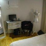 3 person apartment