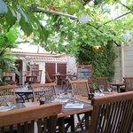 Tables côté jardin