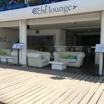 the chi lonuge with inflatable sofas that every passing person just cant resist trying