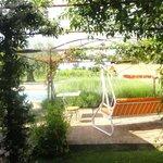 Vista della piscina e del pergolato