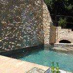 La piscina; un antiguo lavadero con 600 años de antiguedad