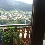 une vue sur la vallée