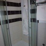 Ah ! la fameuse douche à jets massant, un vrai bonheur !