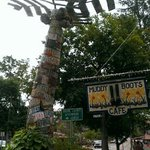 Palm tree made of license plates outside the cafe! so neat!!