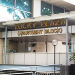 Lucky Plaza Apartment Lobby