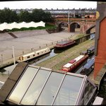 Blick aus dem Fenster auf den Kanal