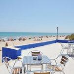 restaurante y terraza a primera linea de playa