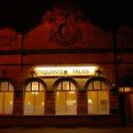 Piquante Palais-Cafe Restaurant