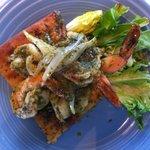 pesto shrimp on flatbread
