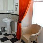 El cuarto de baño es precioso