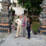 Aankomst bij steiger hotel Tiara Bunga in Balige