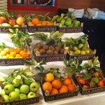 Frutas en el bufet del hotel